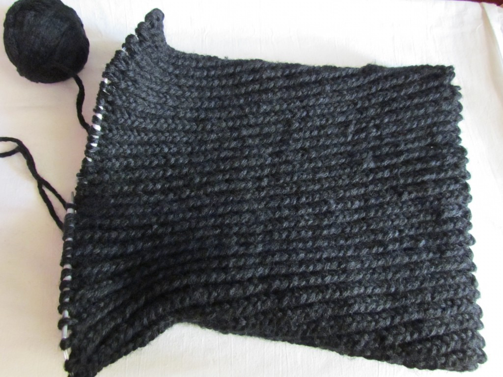 Вязание шарфа-снуда спицами (13)
