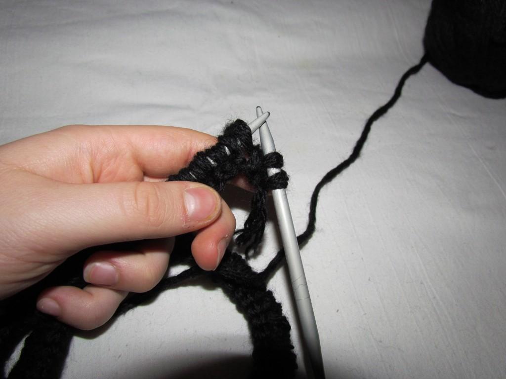 Вязание шарфа-снуда спицами (7)