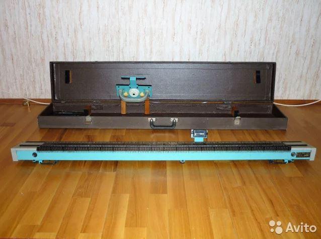 Вязальная машина Северянка в собранном виде в чехле