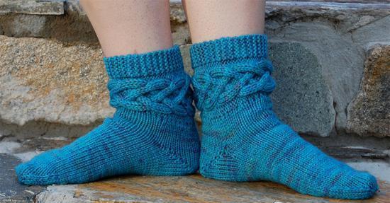 Носки со жгутами на манжетах