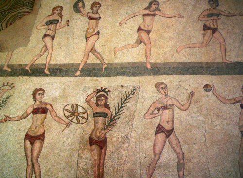 Римская фреска с женщинами в нижнем белье