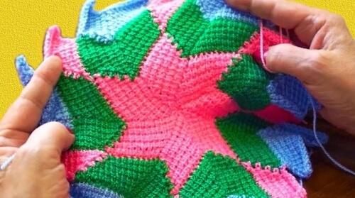 Образец тунисского вязания